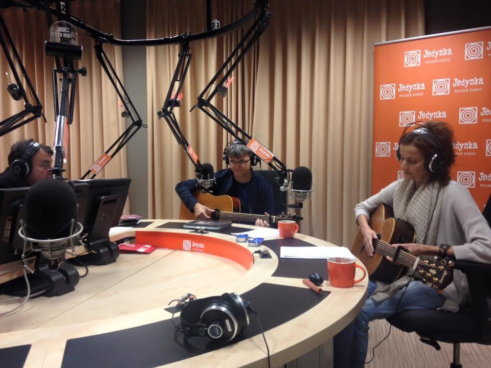radio_2015-12